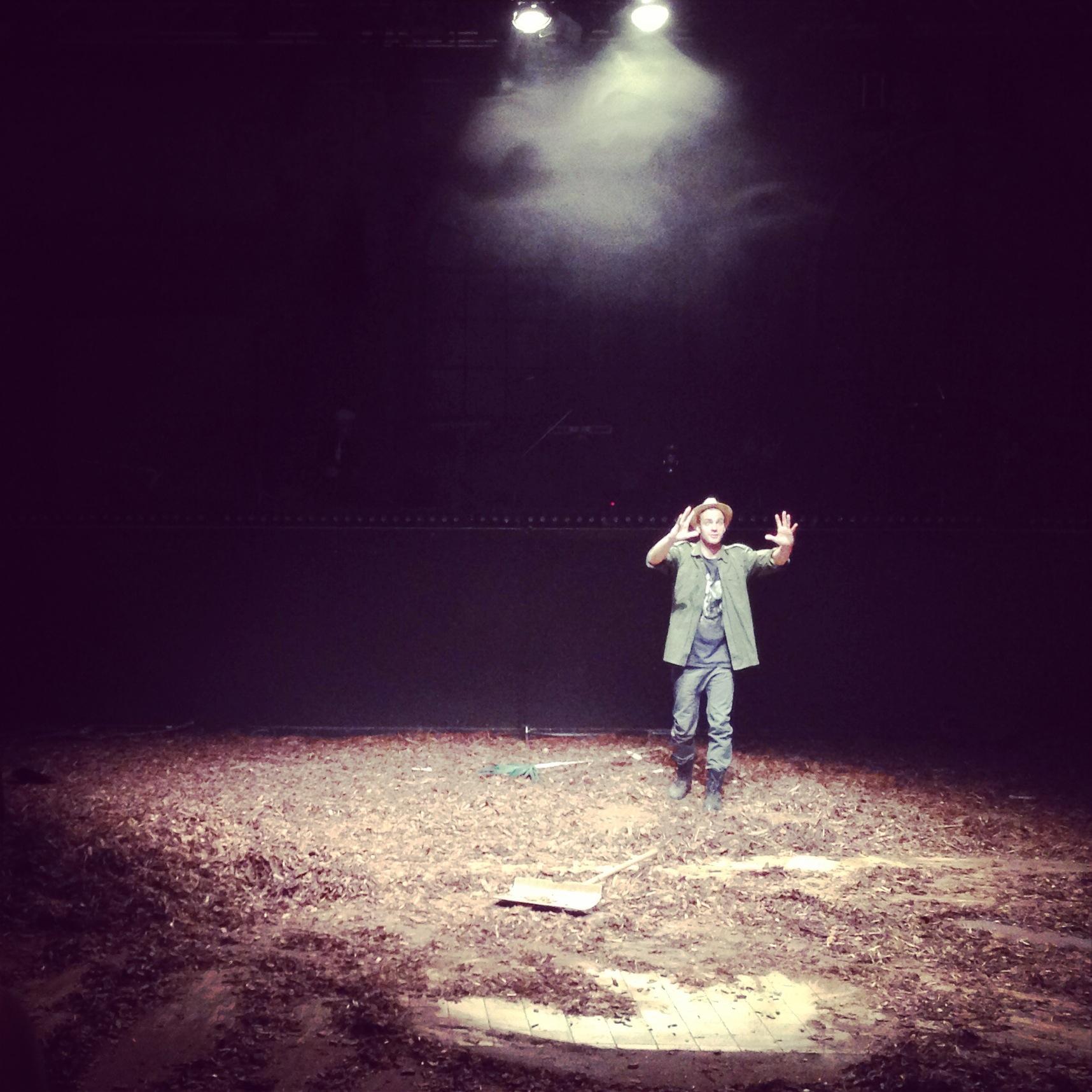 Radio Cooperativa, National Theater of Germany | Set & Costume ...